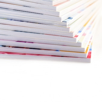 Nuova pila di libri fotografici
