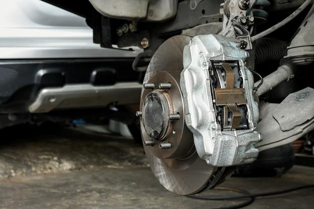 Nuova sostituzione del sistema frenante per auto