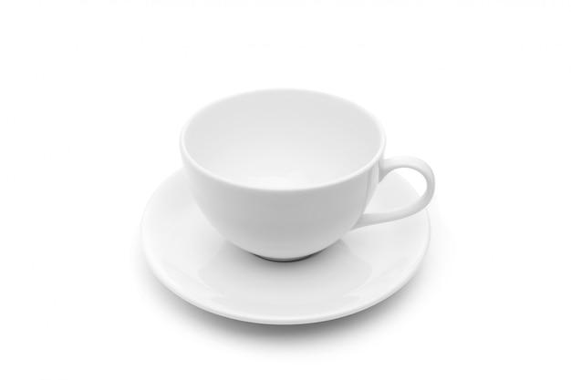 Nuova tazza o tazza di caffè vuota bianca per la bevanda calda. colpo dello studio ed isolato su bianco