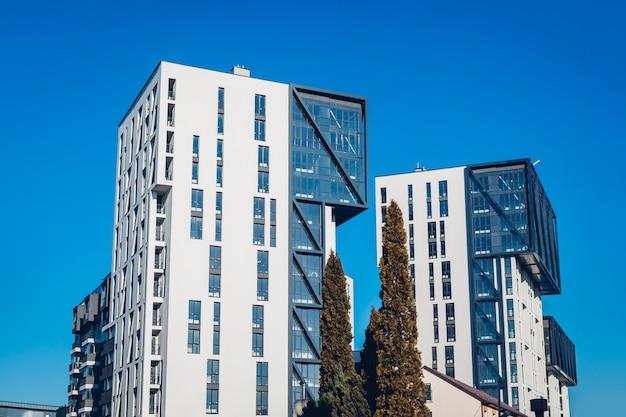 Nuovi edifici residenziali per uffici multipiano