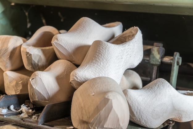 Nuovi zoccoli di legno olandesi