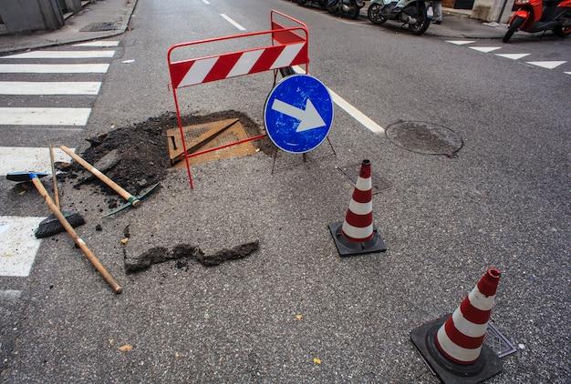 Nuovo passo d'uomo e riparazione di strade