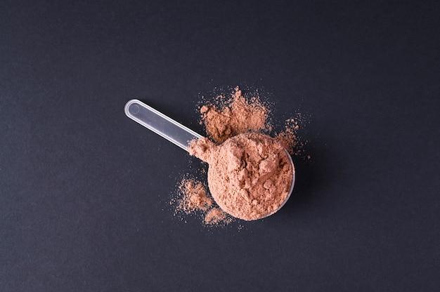 Nutrizione sportiva. proteine in polvere per cocktail.