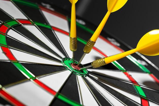Obiettivo colpire successo, obiettivo concetto di raggiungimento degli obiettivi