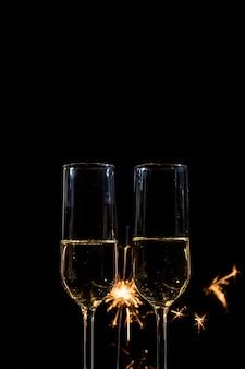 Occhiali vista frontale con champagne alla festa