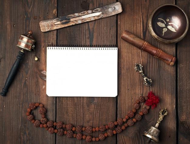 Oggetti religiosi tibetani per la meditazione