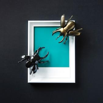 Oggetto giocattolo insetto coleottero alato
