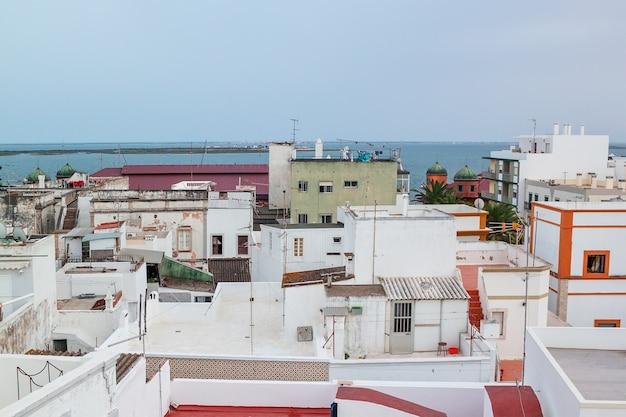 Olhao un'antica città di pescatori del cubismo. portogallo