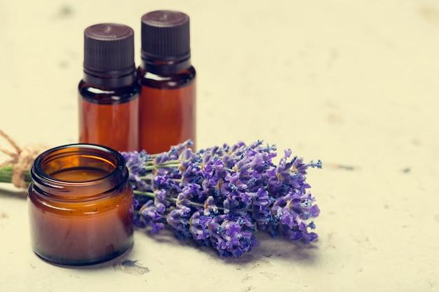 Olio aromatico e lavanda