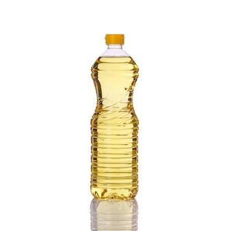 Olio da cucina in bottiglia di plastica.