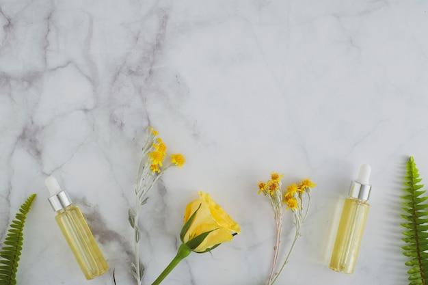 Olio essenziale cosmetico per la cura della pelle