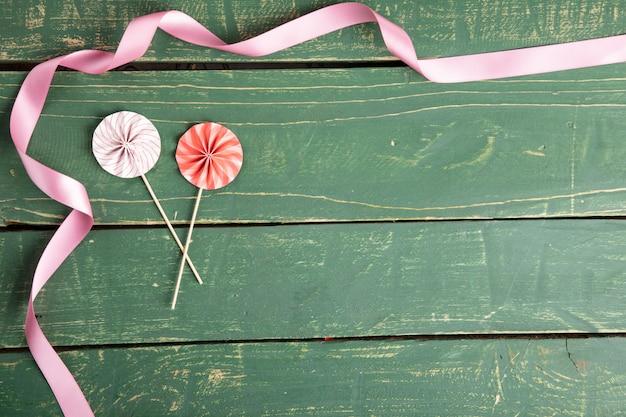 Ombrelli decorativi con nastri
