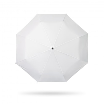 Ombrello bianco isolato su sfondo bianco.