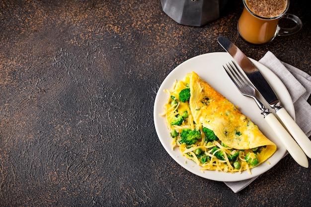 Omelette a basso contenuto di carboidrati e caffè antiproiettile