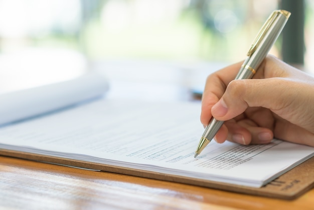 Opzione di scrittura sondaggio concetti casella di controllo