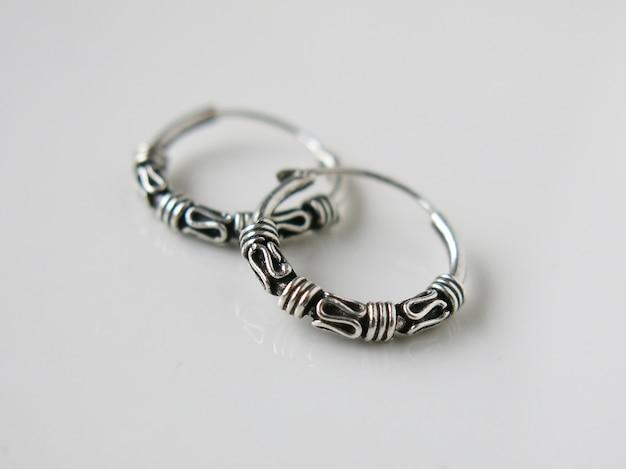 Orecchini in argento vero 9.25 con anello di bali nero ossidato