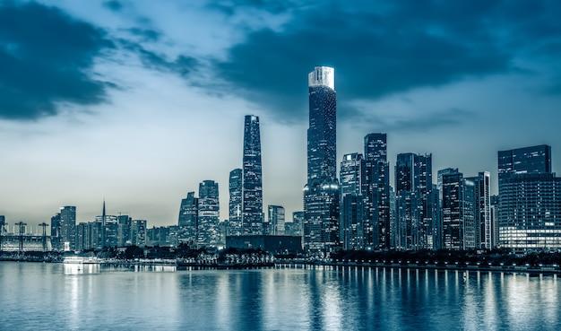 Orizzonte della città di canton e paesaggio di architettura alla notte