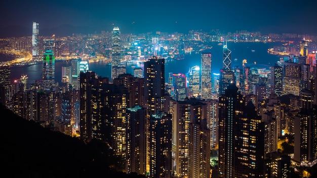 Orizzonte di notte di hong kong