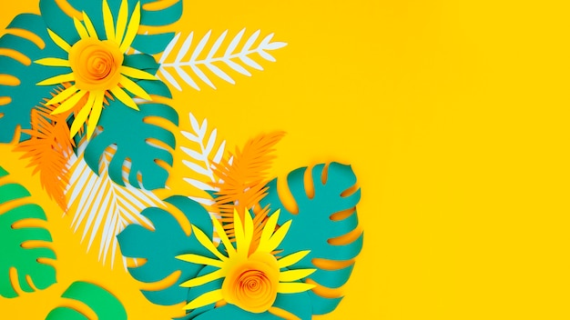 Ornamet di foglie e fiori di carta copia-spazio