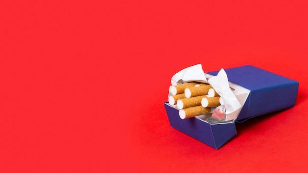 Pacchetto di sigarette ad alto angolo
