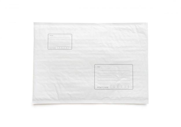 Pacchetto postale bianco con area per l'indirizzo di scrittura.