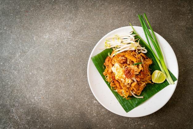 Pad thai - spaghetti di riso saltati in padella