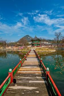Padiglione hyangwonjeong, palazzo gyeongbokgung, seoul, corea del sud
