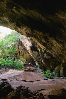 Padiglione reale nella grotta di phraya nakorn.