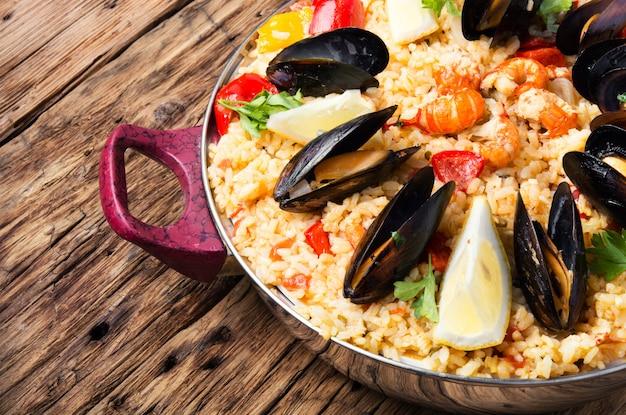 Paella con frutti di mare