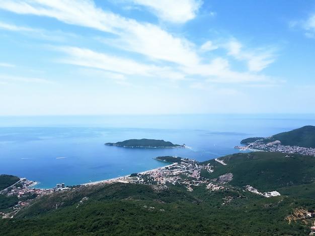 Paesaggio del montenegro e del mare adriatico