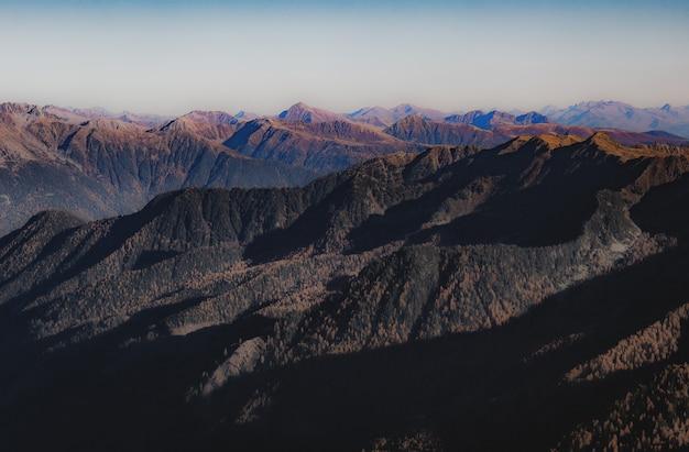 Paesaggio del picco di montagna