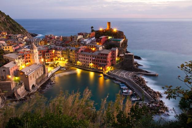 Paesaggio delle cinque terre in italia