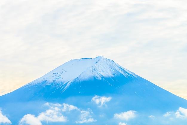 Paesaggio di montagna monte blu
