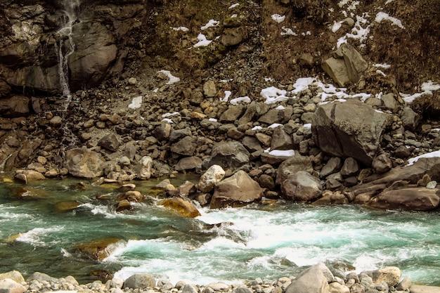 Paesaggio di swat river kalam swat scenery