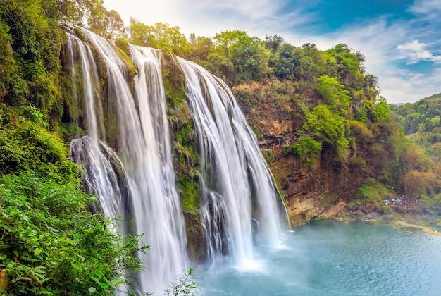 Paesaggio fiumi boschi all'aperto natura