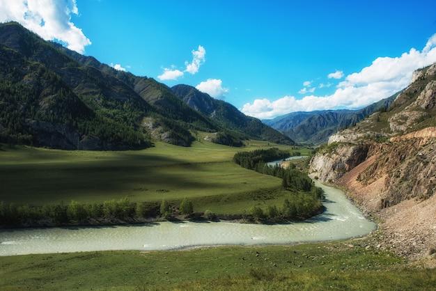 Paesaggio fluviale del katun