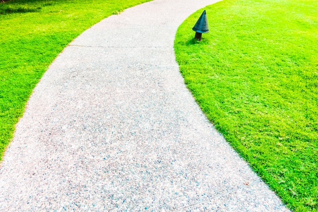 Paesaggio giardini sfondo percorso marciapiede