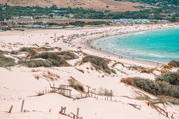 Paesaggio impressionante della natura della costa di cadice in andalusia, spagna