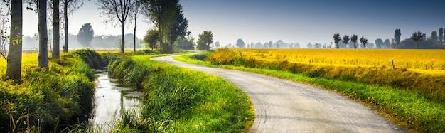Paesaggio rurale originale del paese