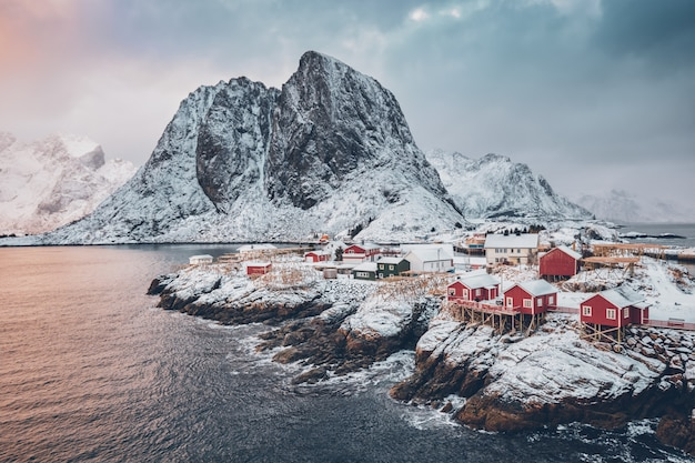 Paesino di pescatori di hamnoy sulle isole di lofoten, norvegia