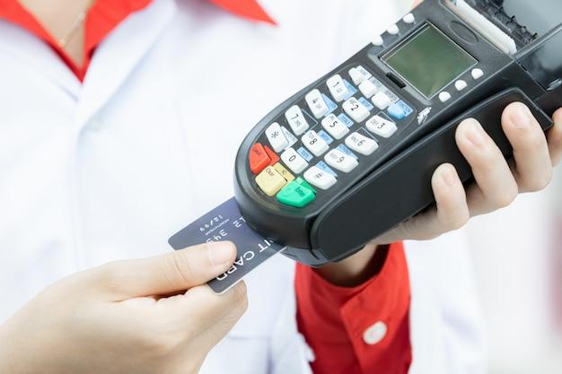 Pagare con una carta di credito