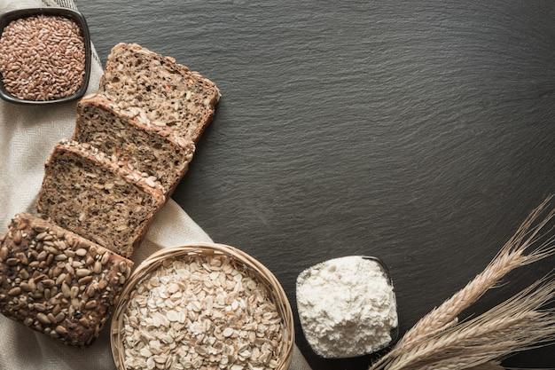 Pagnotta di pane integrale di segale.