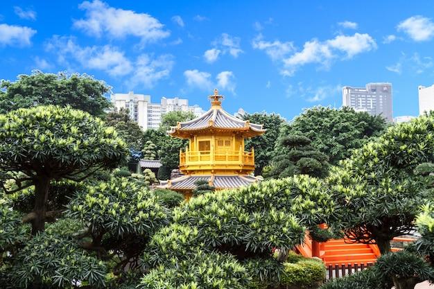 Pagoda d'oro a nan lian garden