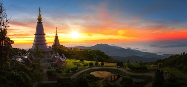 Pagoda gemellata nel parco nazionale di doi inthanon