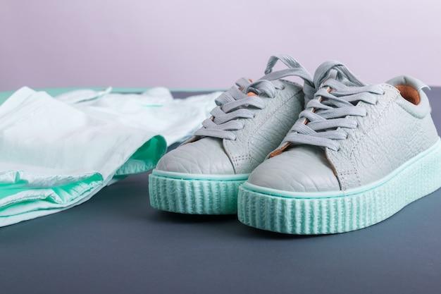 Paio di scarpe da ginnastica