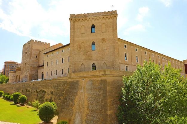 Palazzo dell'aljaferia a saragozza, in spagna