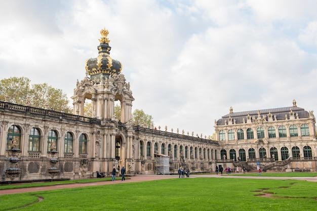 Palazzo zwinger di dresda bella architettura barocca
