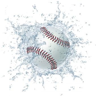 Palla da baseball bianca con spruzzi d'acqua