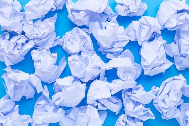 Palle di carta stropicciata