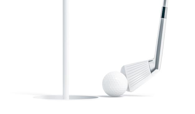 Pallina da golf bianca vuota vicino al foro con il bastone